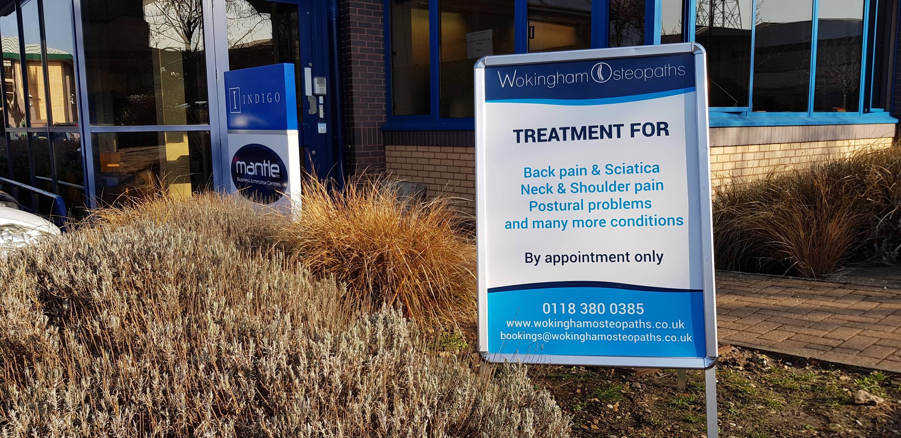 wokingham, osteopath, clinic, signage, treatment, back, pain